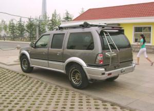 都市骏马SUV后45度(车头向左)图片