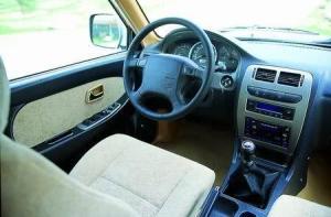 赛弗SUV完整内饰(中间位置)图片