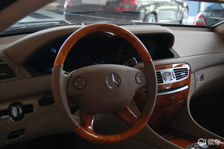 汽车图片 奔驰 奔驰 cl级 2008款 cl 600  关闭 0/12008款 cl 600参数