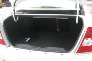 陆风风华行李箱空间图片