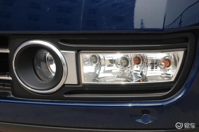 【雪铁龙C6(进口) C6 3.0i V6雾灯图片】-易车网BitAuto.com高清图片