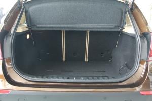 宝马X1(进口)行李箱空间图片