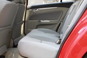 长安CX30两厢后排空间图片