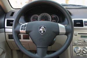 长安CX30两厢方向盘图片