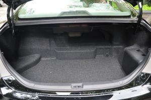 凯美瑞Hybrid 行李箱空间