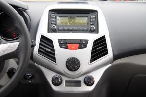 众泰Z200HB中控台正面图片