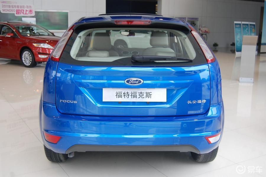 福克斯两厢_【福克斯两厢2012款16L手动舒适型外观汽车