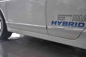 思域2007款 HYBRID 新混合动力 外观塔夫绸白