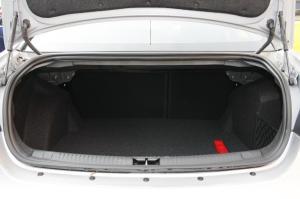 MG 6三厢行李箱空间图片
