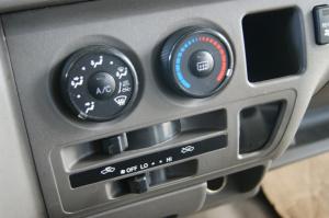 九龙商务车空调图片