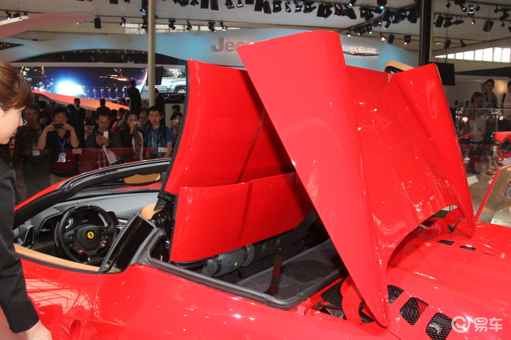 法拉利458 spider 高清图片