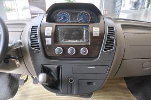 上汽大通V80改装车 中控台正面