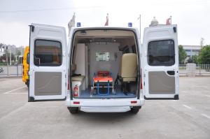 上汽大通MAXUS V80改装车 行李箱空间