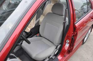 蓝瑟驾驶员座椅图片