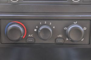黄海挑战者中控台空调控制键图片