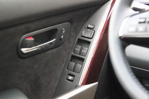 CX-9车窗升降键