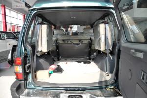 猎豹6481行李箱空间图片