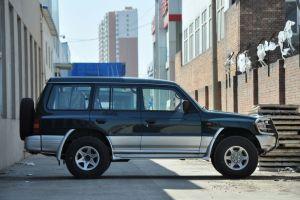 猎豹黑金刚正侧(车头向右)图片