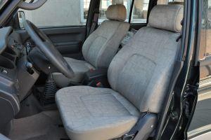 猎豹黑金刚驾驶员座椅图片