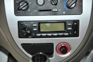 一汽佳宝V70 中控台音响控制键