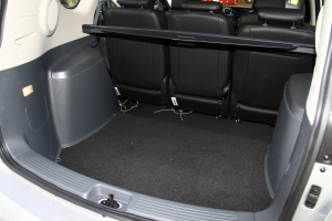 瑞风M2行李箱空间图片
