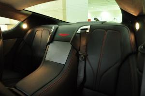 阿斯顿·马丁DB9 后排座椅