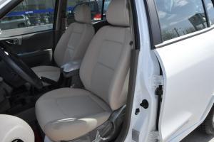 经典圣达菲驾驶员座椅图片