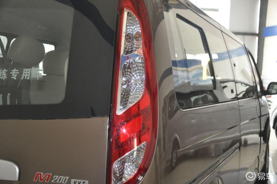 【蒙派克e2013款2.0l 手动 经典版 长轴 9座 四门 汽油版尾