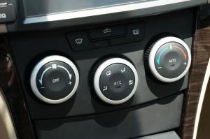 福美来VS 中控台空调控制键