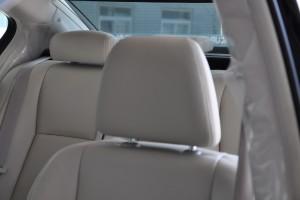 讴歌RLX驾驶员头枕图片