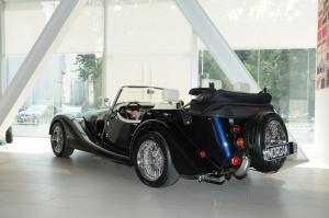 摩根Roadster 后45度(车头向左)