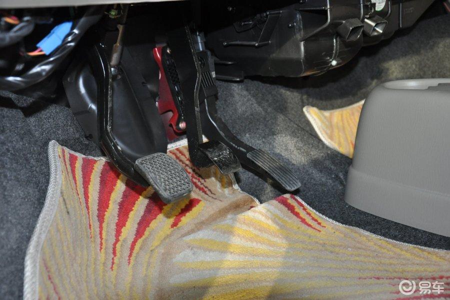 【北斗星2012款1.4L VVT 手动 全能版 标准型脚踏板汽车图片-汽车图高清图片