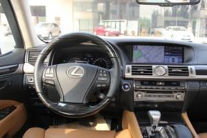 LS驾驶位区域