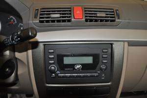 力帆520i               中控台音响控制键