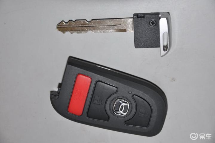 铃木利亚纳A6两厢钥匙 543465高清图片