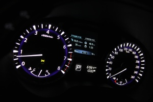 英菲尼迪JX35(QX60)仪表盘背光显示图片