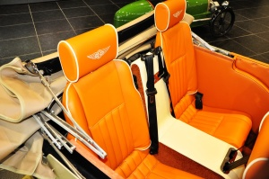 摩根Roadster 后排座椅