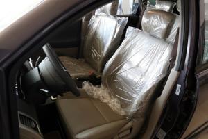 利亚纳驾驶员座椅图片