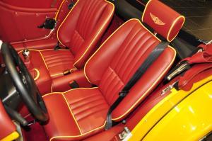 摩根Roadster驾驶员座椅图片