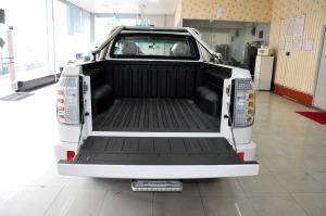 猎豹CT5皮卡 行李箱空间