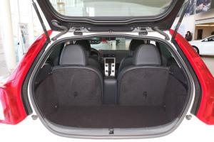 沃尔沃C30行李箱空间图片