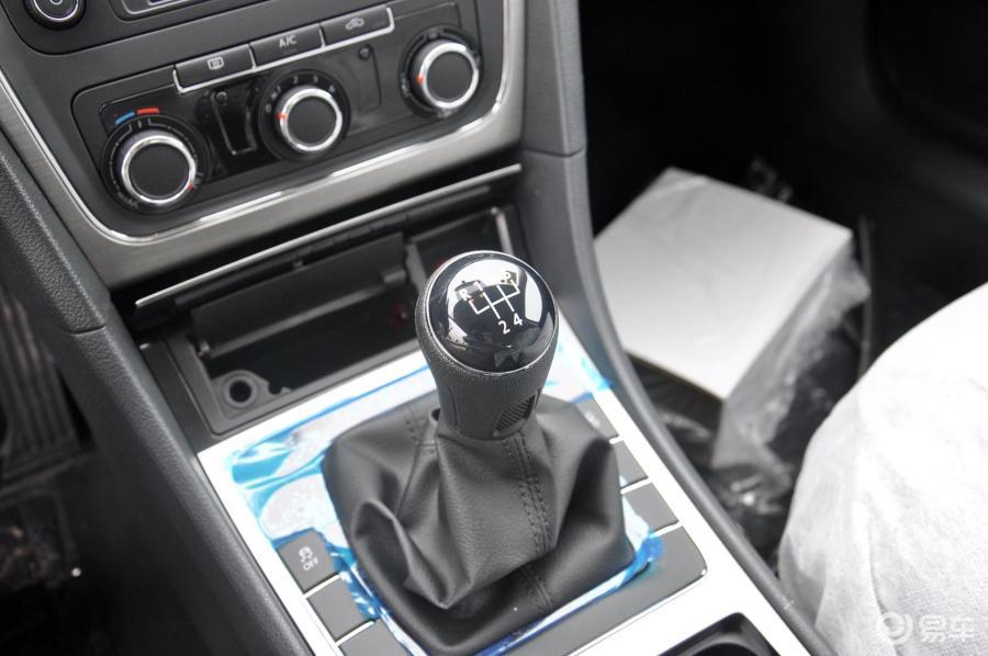 手动汽车由3挡可以直接拉到5挡吗_百米加减档技巧减挡要踩刹车吗_手动挡汽车档位与速度