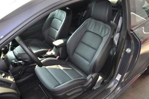 速迈驾驶员座椅图片
