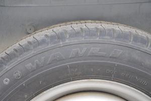 众泰V10 备胎品牌