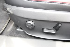 MODEL S座椅调节键