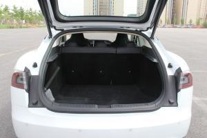 MODEL S行李箱空间