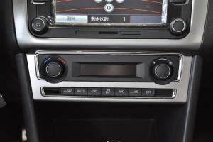 POLO中控台空调控制键