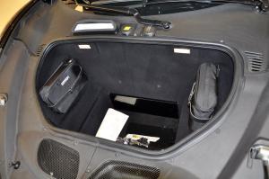 法拉利458 行李箱空间