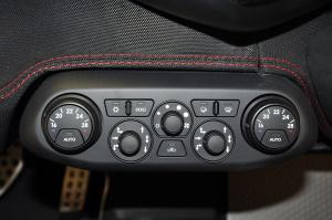 进口法拉利458 中控台空调控制键