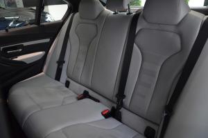 宝马M3后排座椅图片